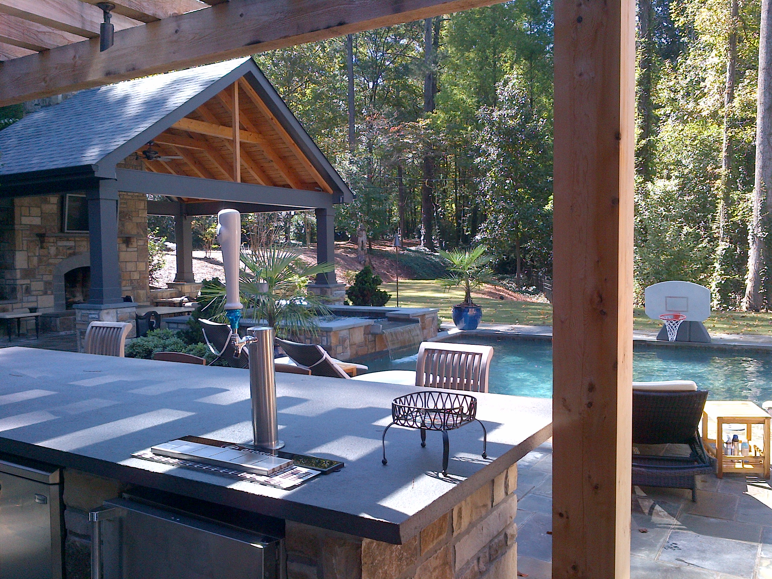 Outdoor kitchen with amazing pool